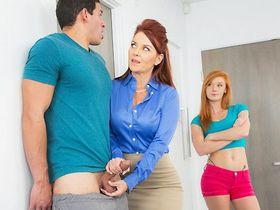 Мачеха проводит секс урок для своей падчерицы и ее парня