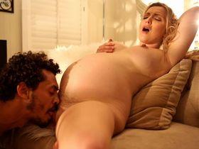Беременная Карла Куш занимается сексом