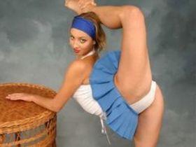 Русские гибкие балерины сексуально разводят ножки