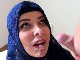 Секс с богатой мусульманкой в хиджабе