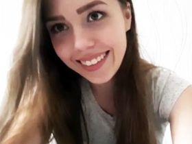Соло по скайпу русской девушки Карины из Кирова слили в сеть