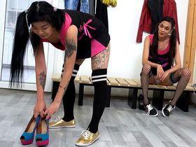 Узбечка Акаша писающая лесбиянка чирлидер